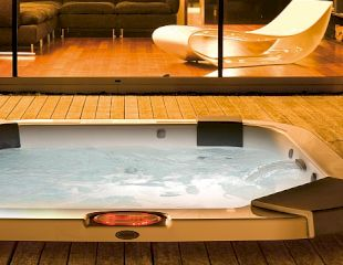 Santorini-Hot-Tub-Built-In header